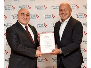 Türkiye Finans çağrı merkezinin hizmet kalitesi, Çağrı Merkezleri Derneği tarafından verilen EN15838 Sertifikası ile 2. defa tescillendi