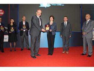 Türk Telekom Grup Şirketi ve çağrı merkezi sektörünün liderlerinden AssisTT İşkur İzmir 3. İstihdam Zirvesi'nde ödül aldı.