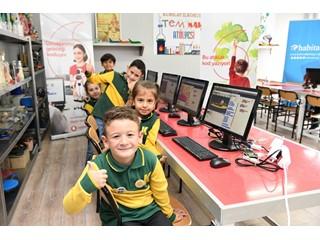 """Vodafone'un """"Bu Atıklar Kod Yazıyor"""" Projesi Türkiye Geneline Yayılıyor"""