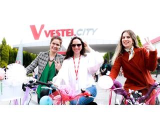 Vestel City'de Süslü Kadınlar Bisiklet Turu!